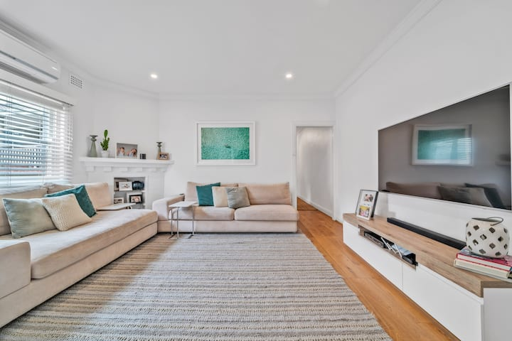 Comfy 2Bed Cottage  between Bondi and Watsons Bay