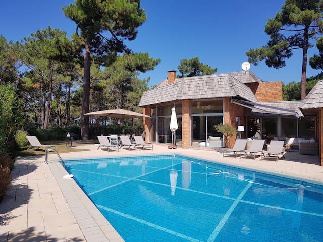 Superbe villa à 50 mètres de la plage Péreire