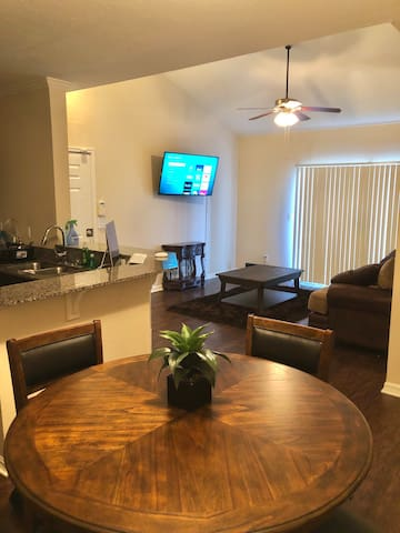 Mid City Condo (Palm harbor/Clearwater/Tampa)