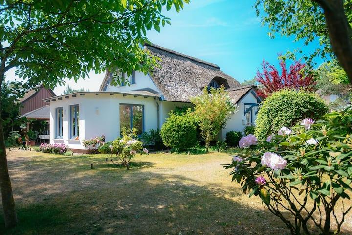 Ferienhaus Ankerherz - Haus am Strand mit Garten