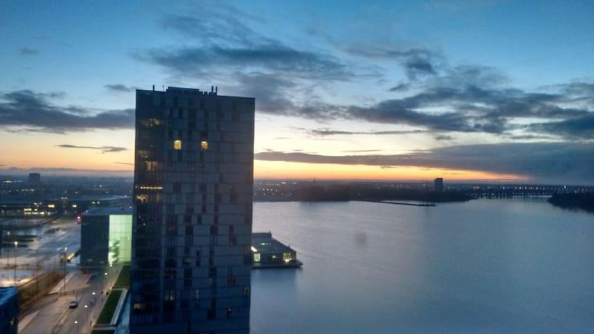 Zonnig, licht appartement aan water - Almere - Appartement