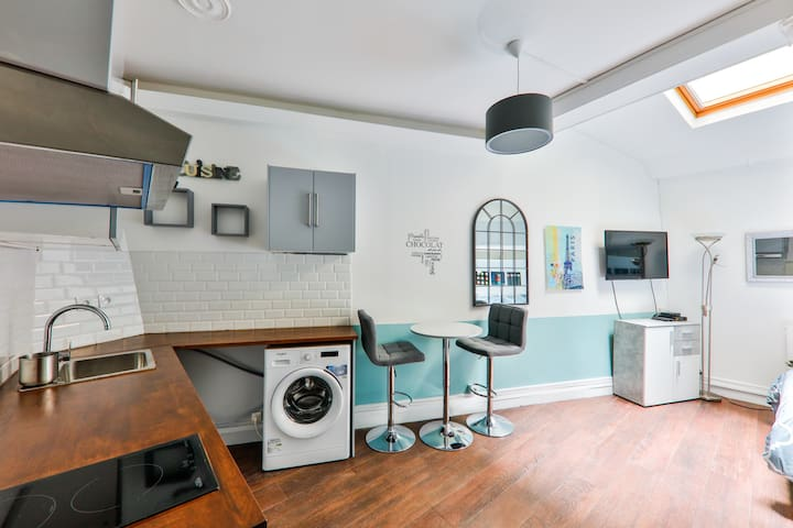 Chic, spacious flat in the heart of Le Marais