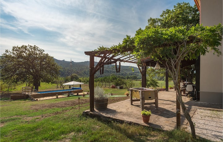 Stunning home in Monterotondo Marittimo with Outdoor swimming pool and 3 Bedrooms