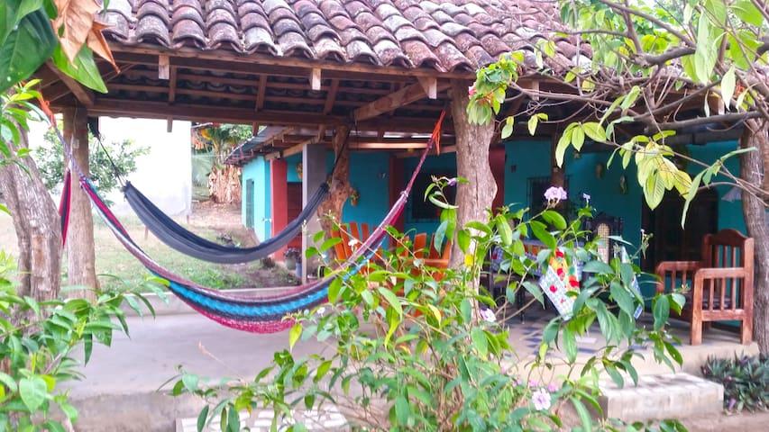 Habitación cuádruple privada en Ometepe - Moyogalpa - Bed & Breakfast