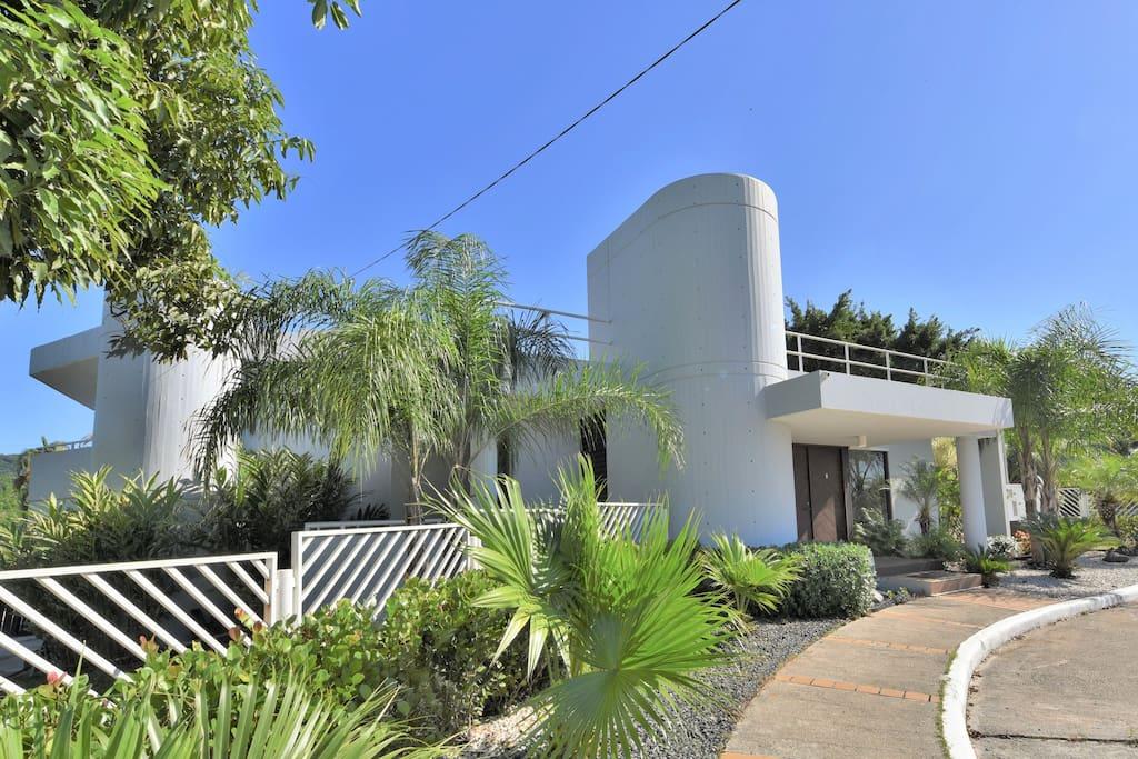 Mansion villa bonita 3 pool sleeps up to 25 villas for Villa bonita precios
