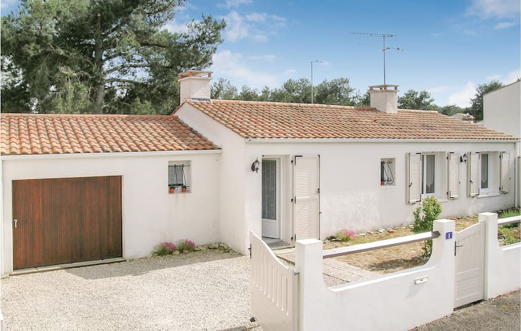 Holiday cottage with 3 bedrooms on 70m² in La Faute sur Mer