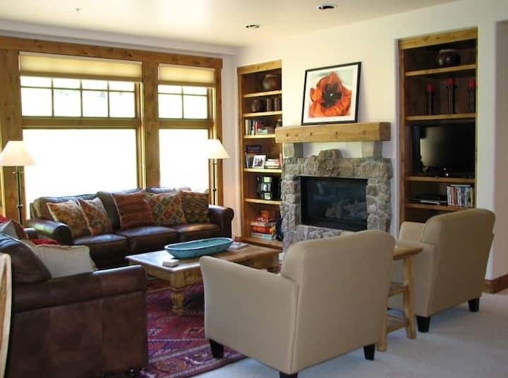 3 BR Ski-In/Out Mt. Crested Butte, WestWall Lodge