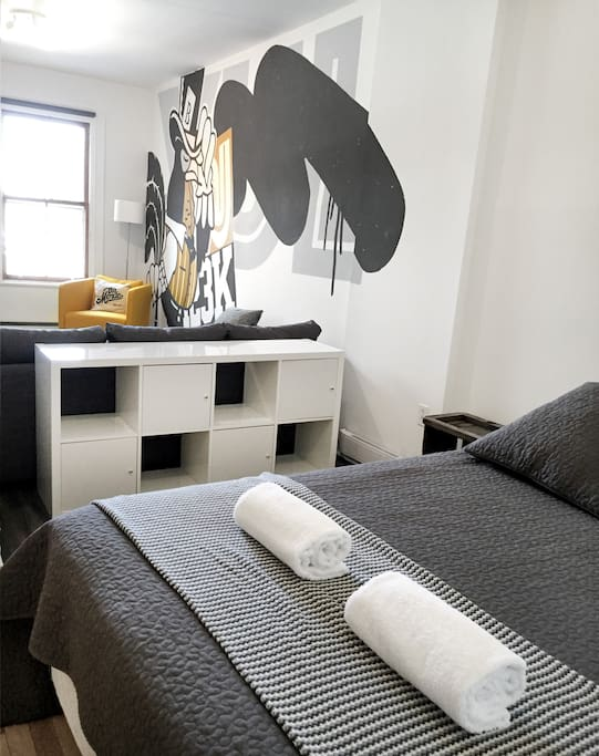 CHAMBRE 2 BEDROOM 2, open space to the living room / style loft. We have added  curtains