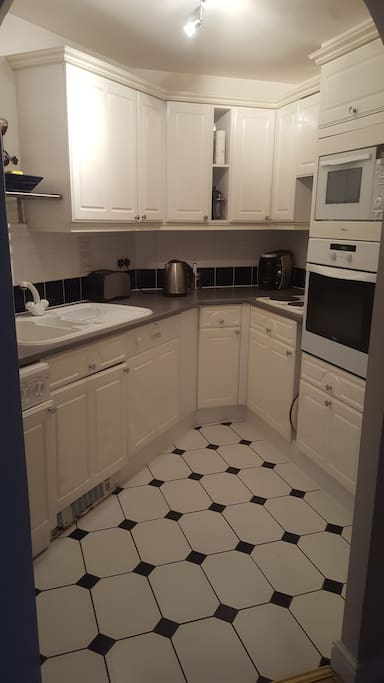 Guests can use kitchen