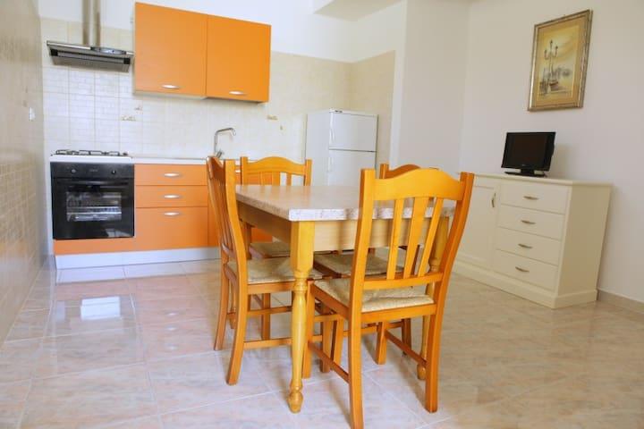 Villa Roberti - Corsano - Apartamento