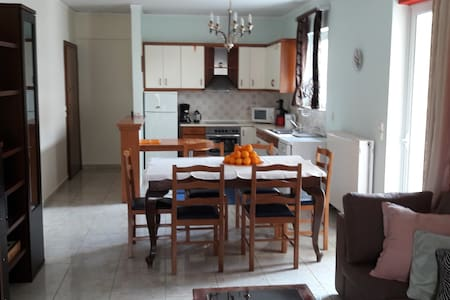 Extra 102m2 apartment in Nafplio!! - Navplion - Appartement