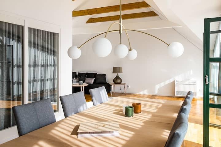 Ljus lägenhet med 2 sovrum och balkong - Serenity