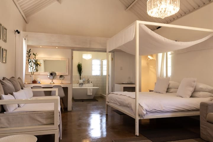 Farmhouse Suite on your way to Etosha