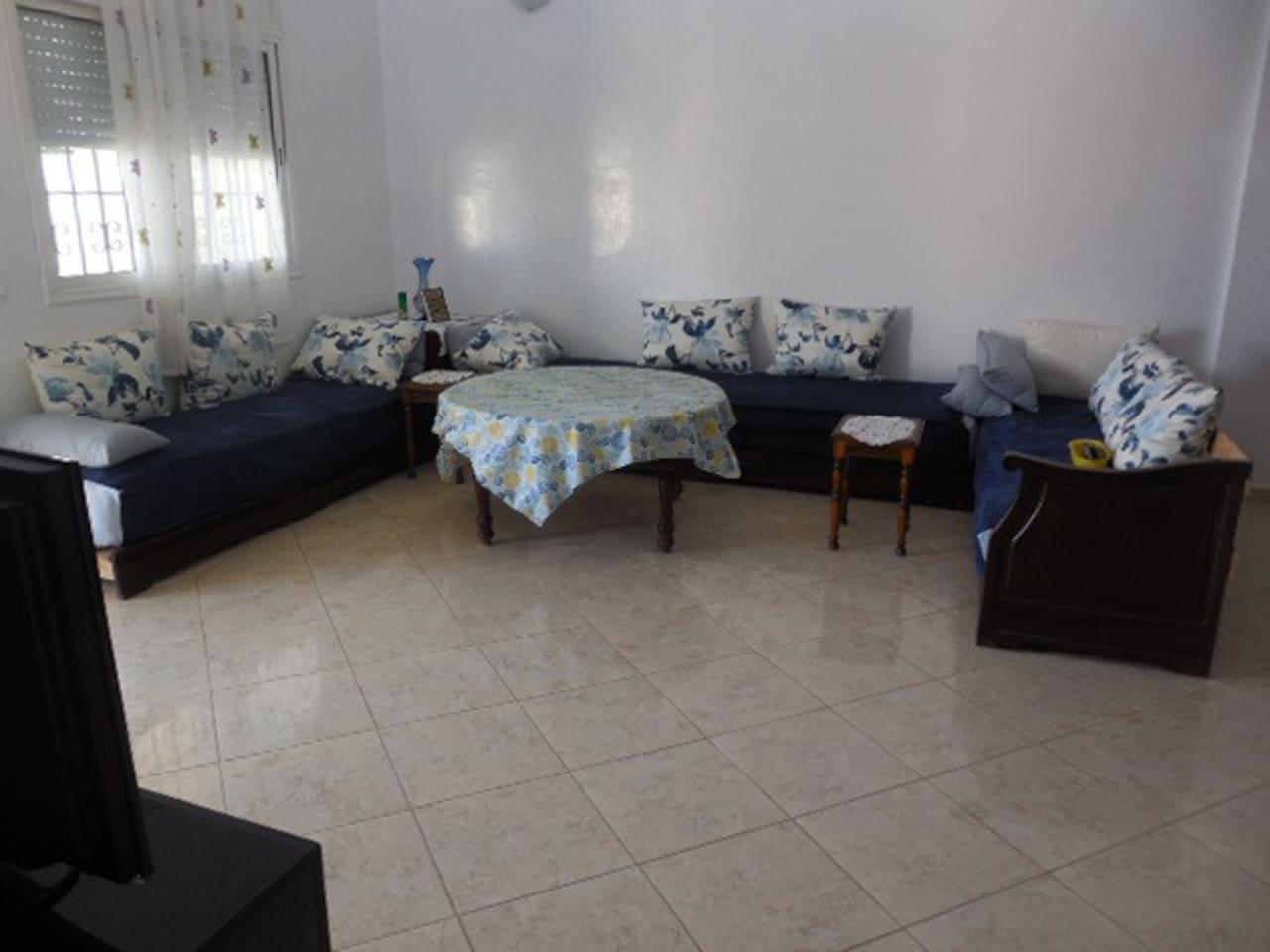 le Salon avec 3 lits