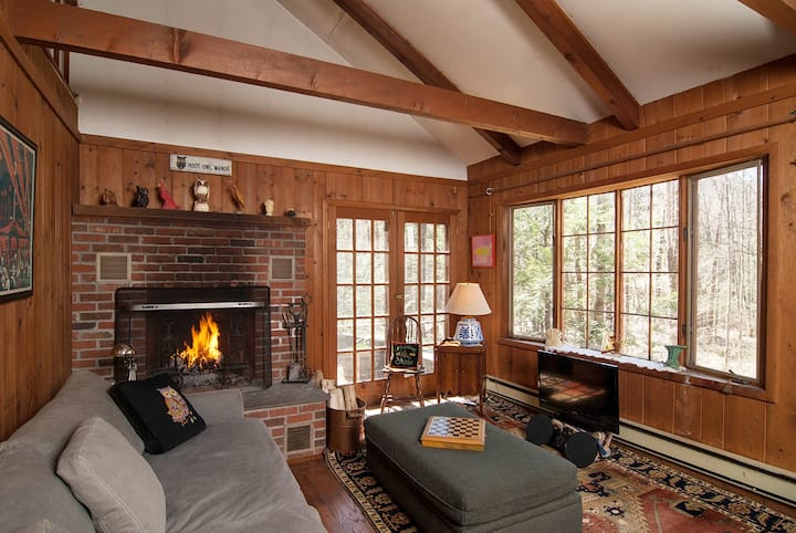 Charming Cabin on Private Country Lane