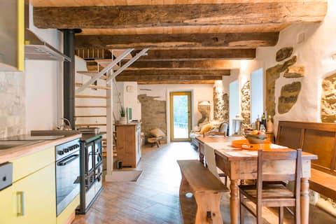 ♡ Rustic Lodge Getaway ♡ | Mountain Views, BBQ,Pkg