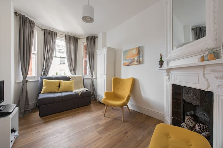 Superb victorian accomodation in Kensington - Londen - Appartement