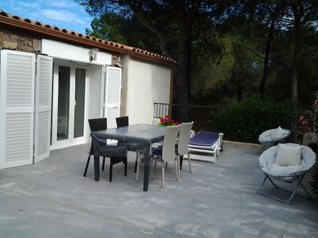 House - 5 km from the beach