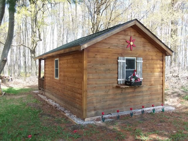 Private cabin at the Cedars Bed & Breakfast
