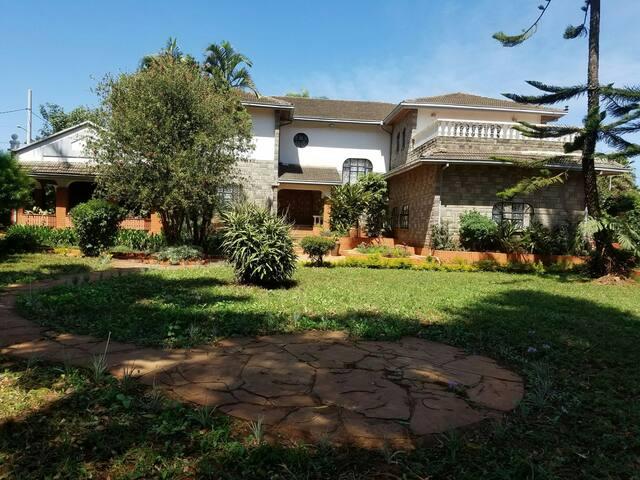 Cozy Bedrooms in Good quiet area - Nairobi - House