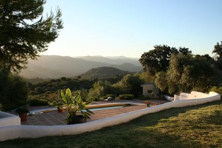 *NEW* Stunning Villa with Amazing Views & Pool! - Almogía