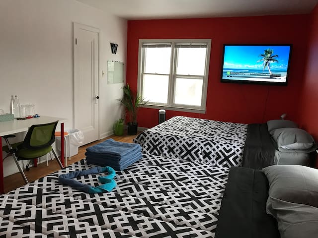 Tango Room for 2 in Dearborn/Detroit
