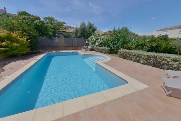 Family Villa with Pool, close to Pezenas & coast