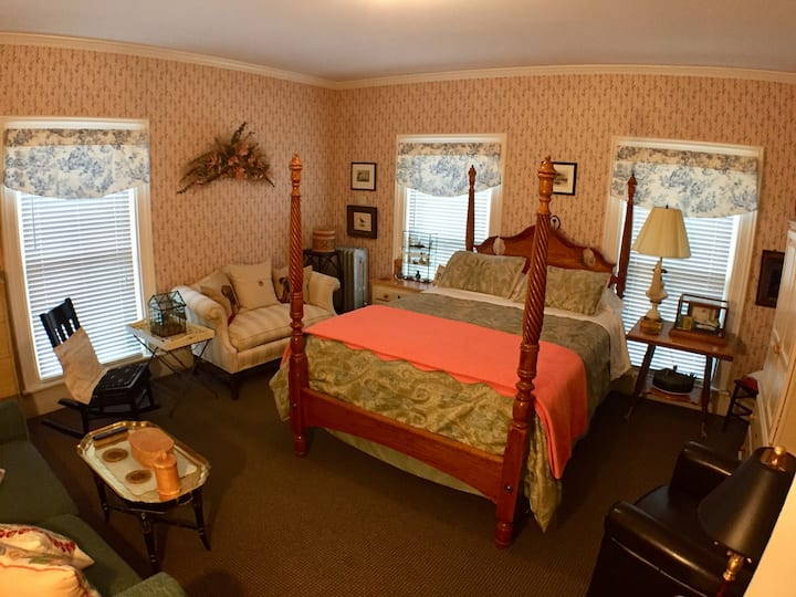 Peach - Thornton House Bed and Breakfast