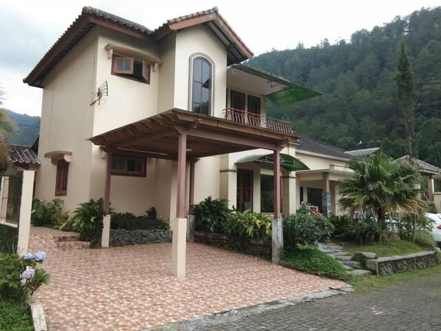Villa Raja II Bukit Sekipan
