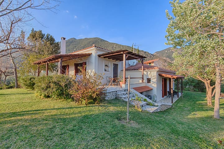 Villa Almyriki- Nafpaktos - 250m from the beach