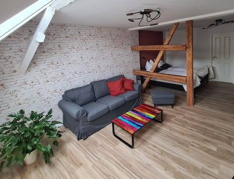 Liebevoll gestaltetes großes Zimmer in Treuen