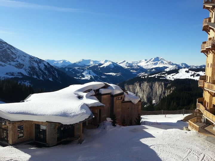 **Luxury 5* Ski In Ski Out Apartment in Avoriaz**