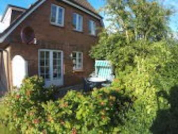 Friesland Midlum 3 Wohnungen oderHaushälfte