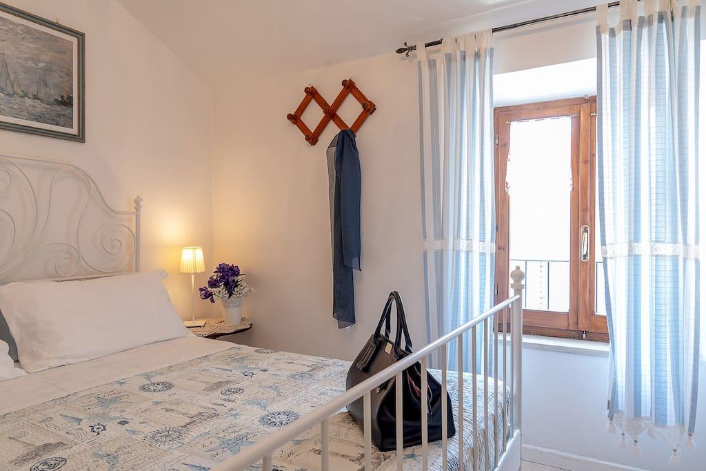 Camera matrimoniale con bagno interno- connessione Wi-Fi - aria condizionata-materasso memory foam