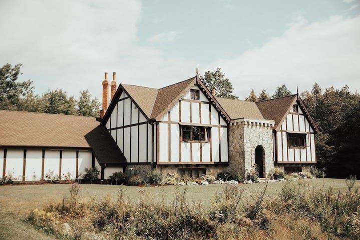 Erin Estate - Fall & Winter Country Getaway