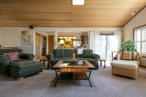 Tahoe Keys White Sands Home W/Boat Dock &  Hot Tub