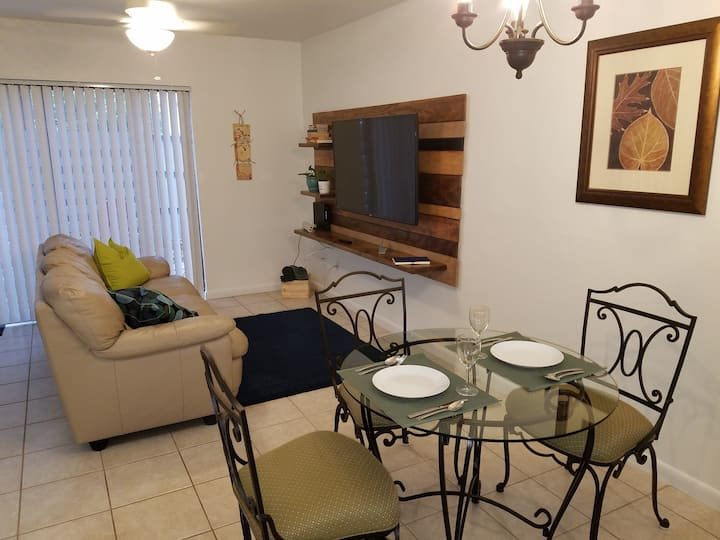 Cozy 2 Bdrm everything NEW and remodel close to UF