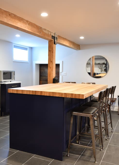 Ample space for cooking and enjoying a meal.