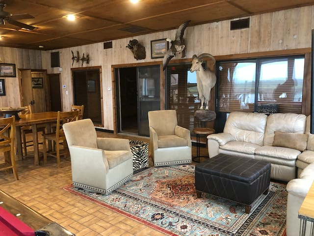 Casa Arroyo Sporting Lodge- First Floor