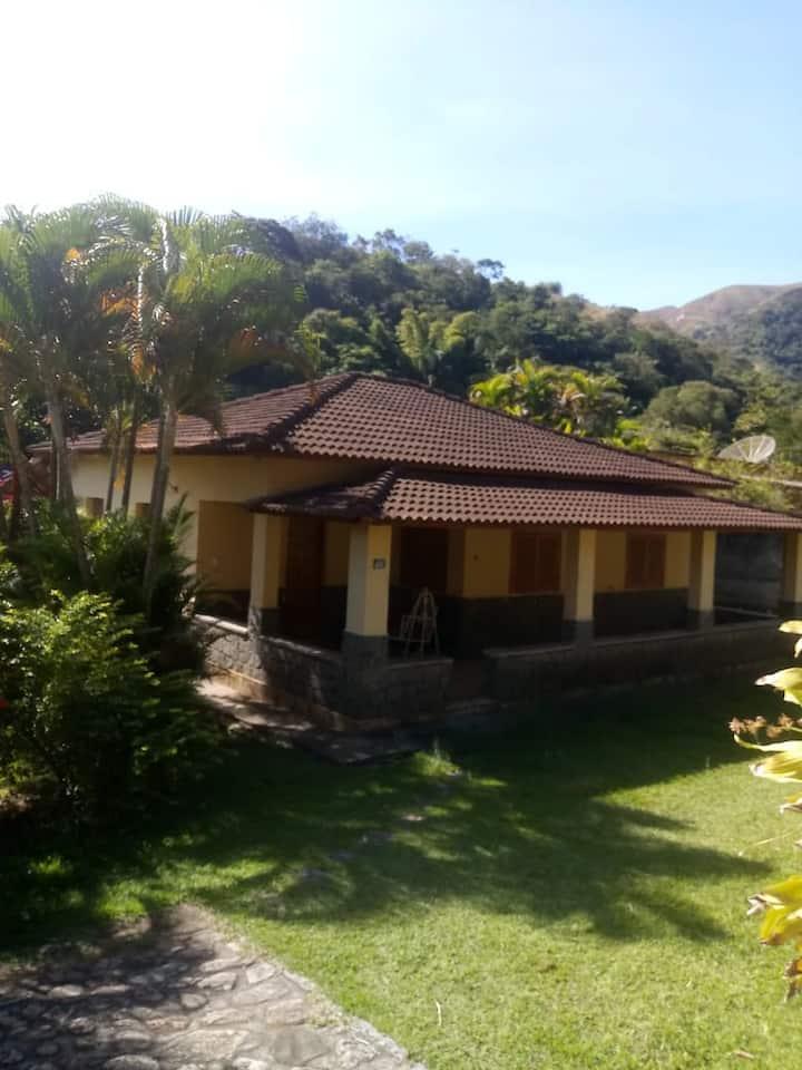Casa grande em Miguel Pereira