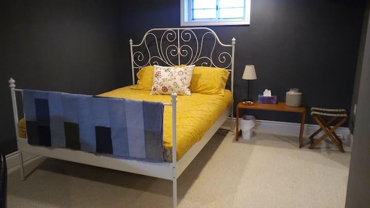 Cute & Cozy Basement Suite