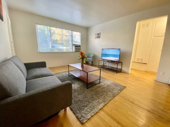 Sunny Hollywood* 1 bed 1 bath