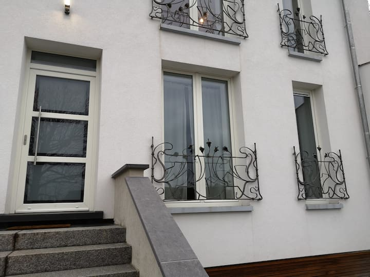 Appartement au centre d'une ville historique.