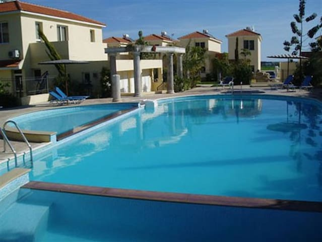 Your Holiday House / Free Pool + Wifi - Tersefanou