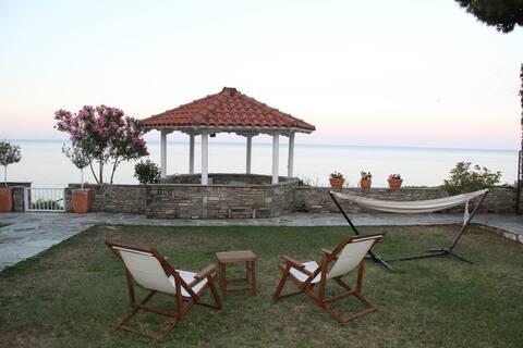 Sunrise Luxury Villa, amazing vacations on the sea