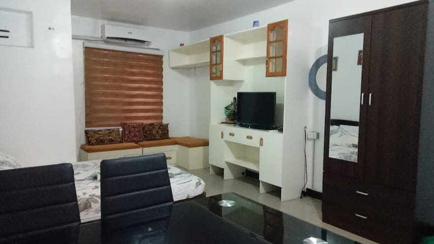 Clean and comfortable studio along the Highway