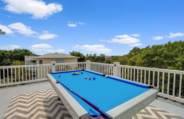Outdoor Rooftop Pool Table