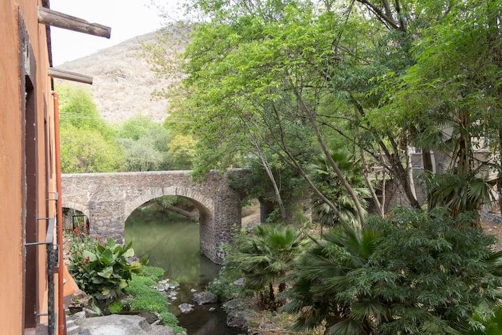 Hacienda San Antonio del Battan, Familiar