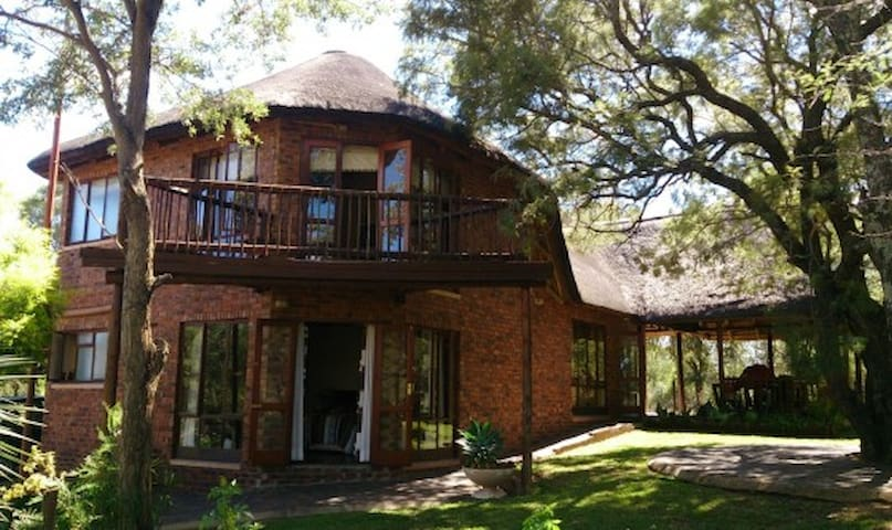 Hornbill Private Lodge, Mabalingwe Nature Reserve