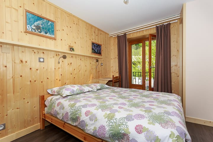 Double room 15sq with private bathroom